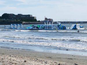 海に浮かぶアトラクション