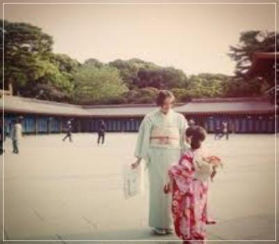 豊田エリーと娘の写真